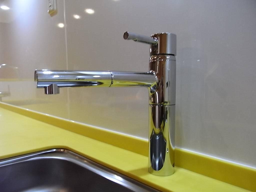 シングルレバータイプの水栓