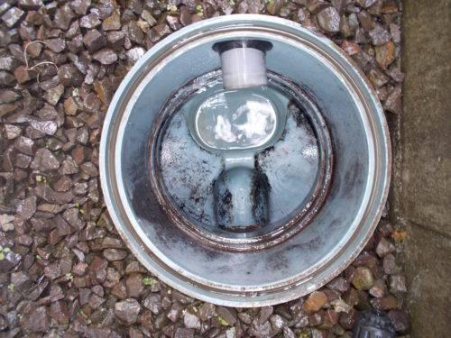 丁寧に清掃された排水管