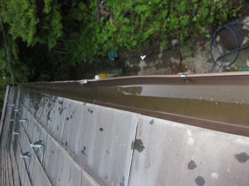 洗浄し終わった雨樋