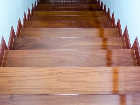階段滑り止め施工