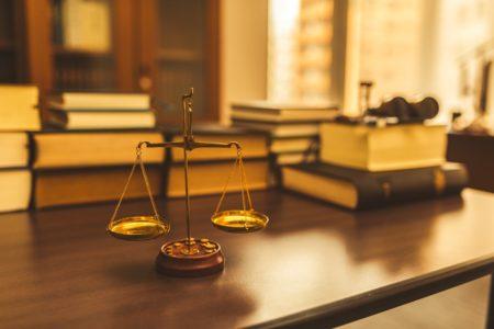 法律イメージ 天秤