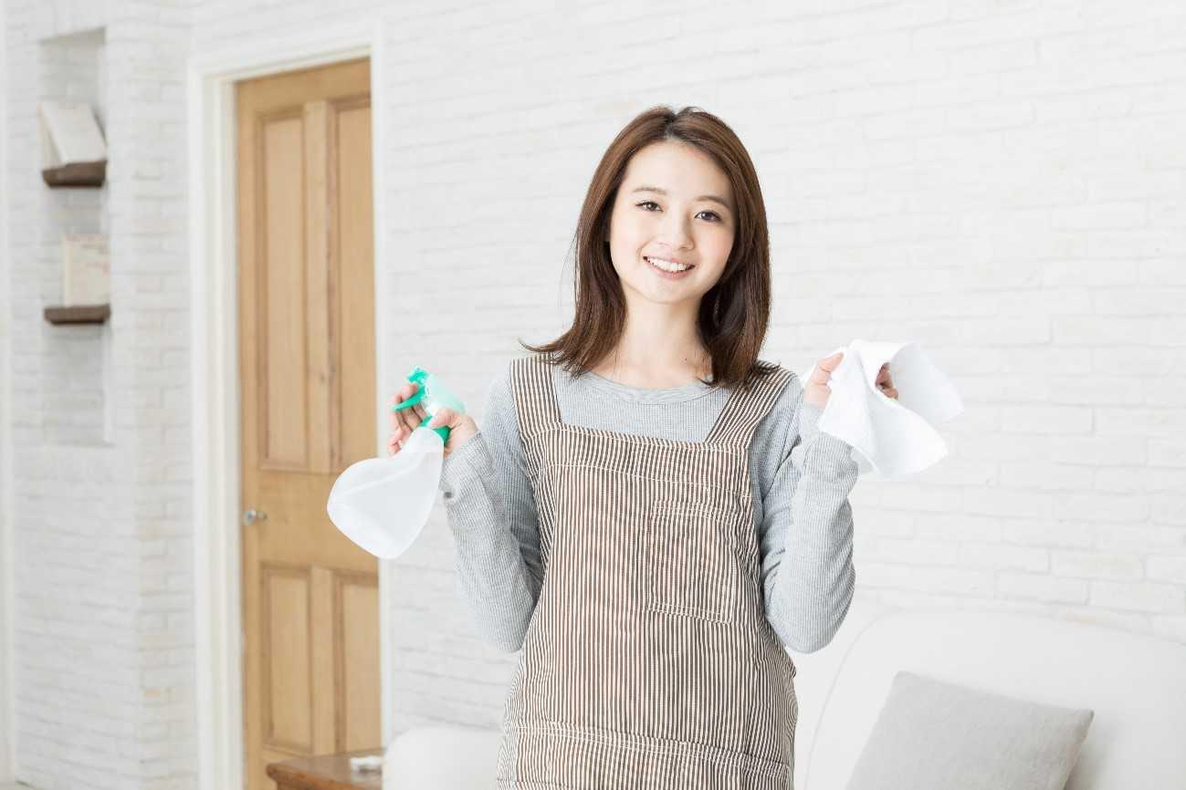 どんな汚れも怖くない 壁紙の効果的な掃除方法 汚れ別まとめ イエコマ