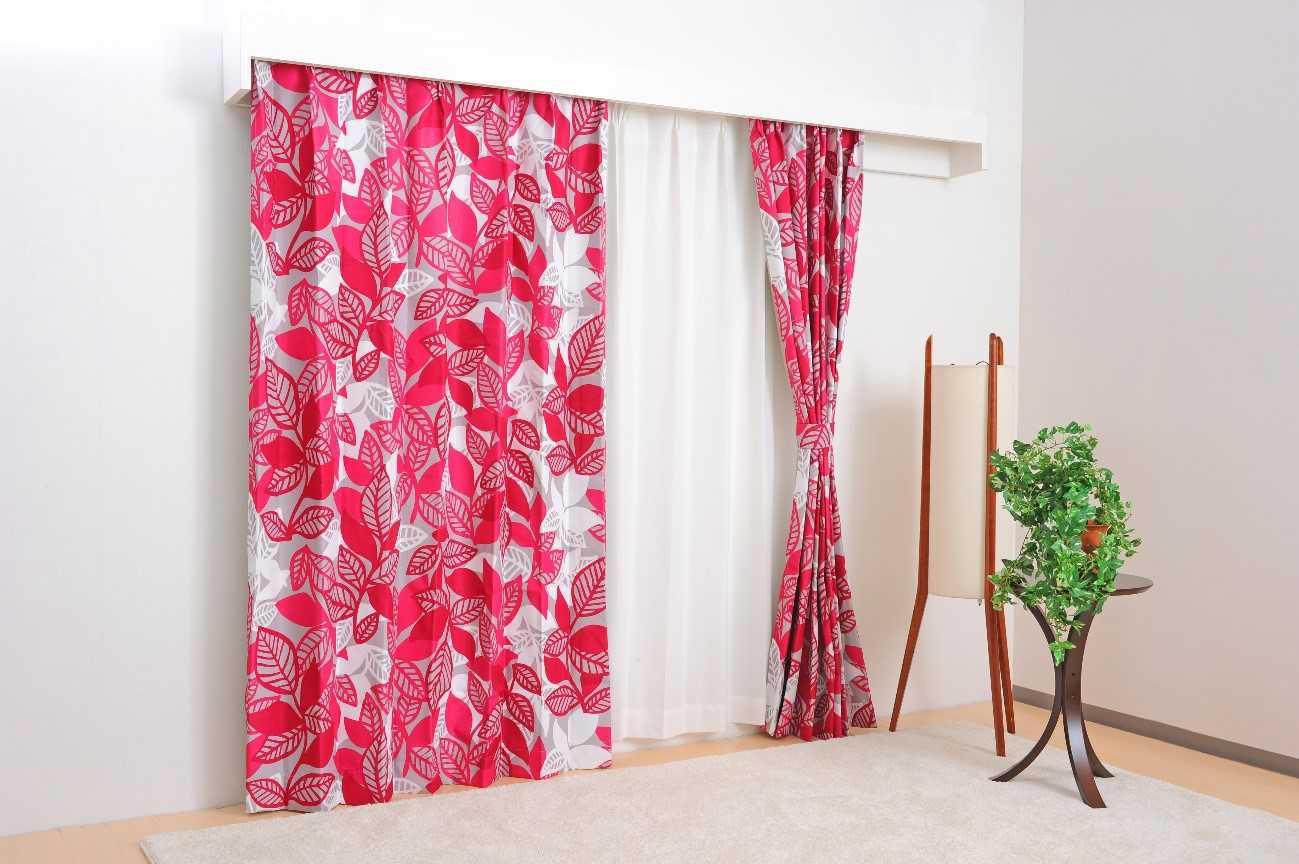 48dd345fa4 カーテンには豊富な種類の生地や色、デザインがあり、自宅で洗濯することも可能なインテリアアイテムです。夏には薄く涼しげな柄のものに変えたり、冬には厚手で温かみ  ...