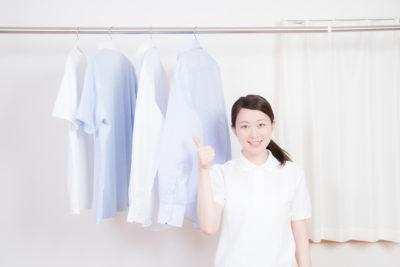 洗濯物と女性