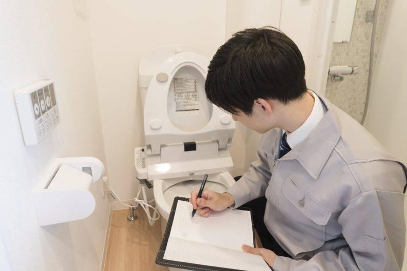 温水洗浄便座をチェックする業者