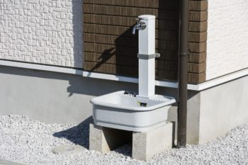 屋外の水道