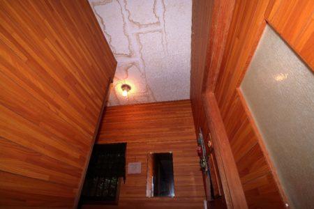 天井クロスのシミ