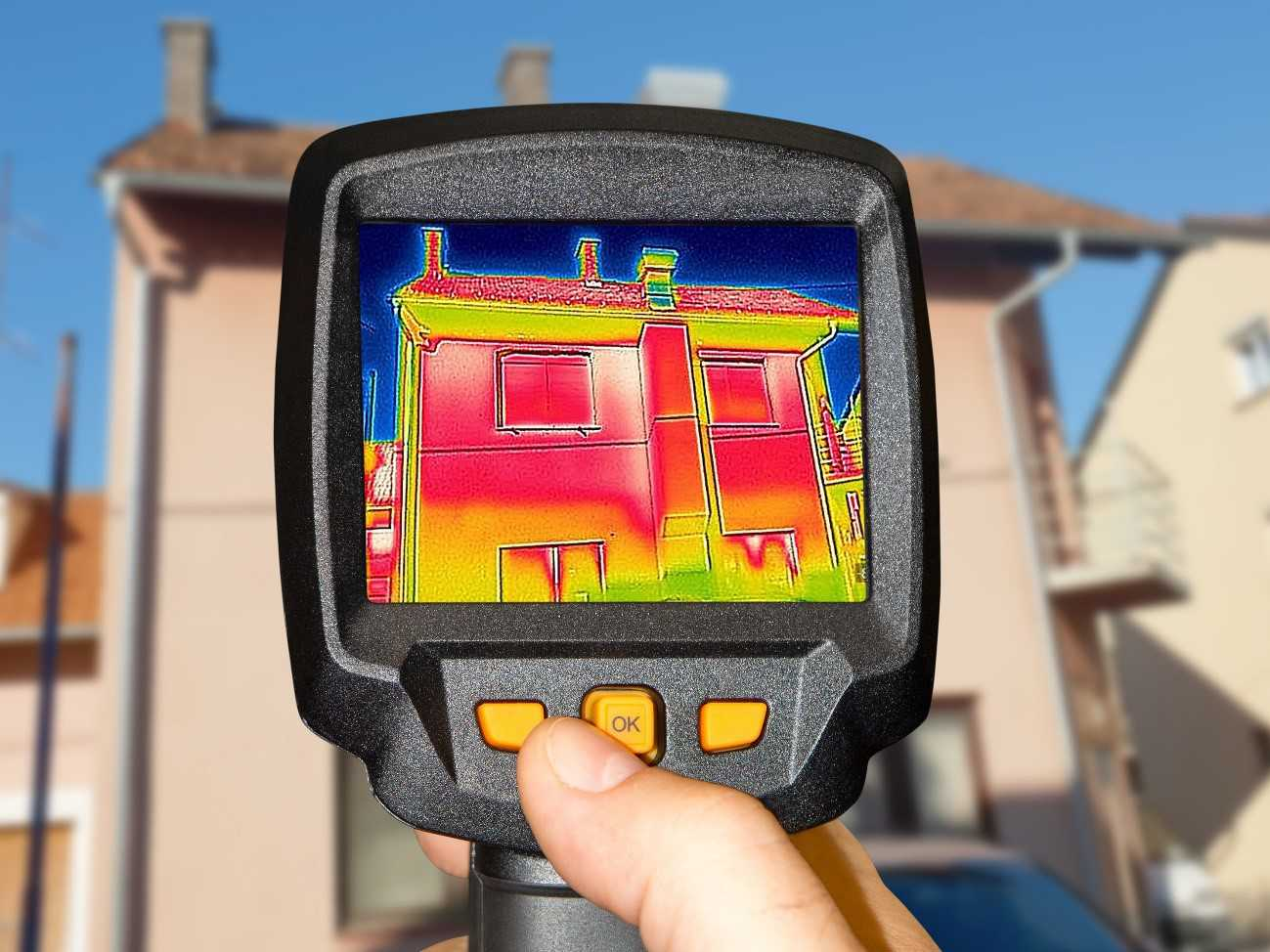 雨漏り箇所の特定方法「赤外線サーモグラフィー調査」とは