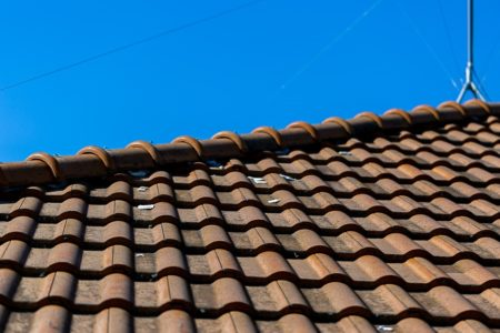 青空と屋根と棟