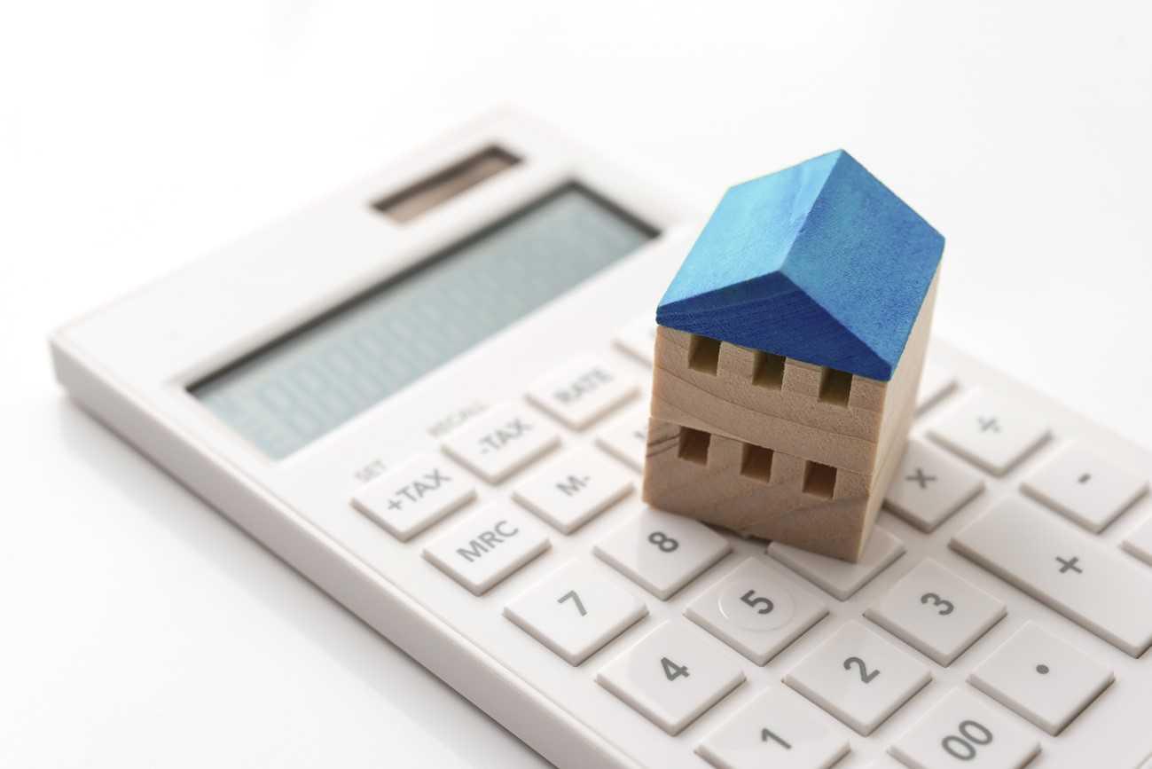 瓦屋根のリフォーム費用はどのくらい?
