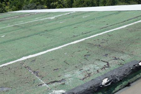 屋根塗膜はがれ